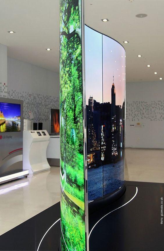РТС LG представио двострани таласасти екран